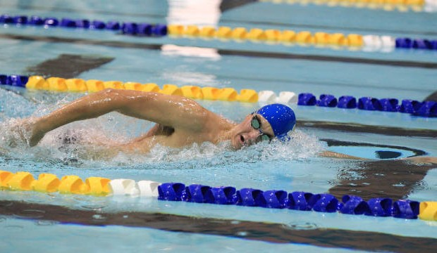 Jacks Swim Past Coyotes