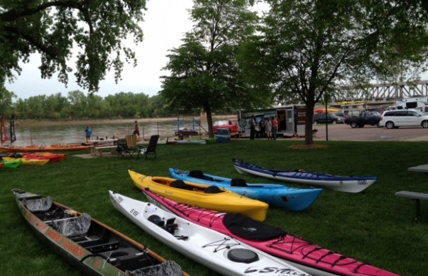 More Kayaks On Missouri River